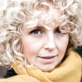 Sangerinde Dorthe Gerlach, fotograferet på Assistens Kirkegård, hvor hun går tur næsten hver dag.