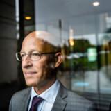 Hvis ATP skal undgå at blive irrelevant, skal det bidrag, danskerne indbetaler til ATP, ifølge CBS-professor Jesper Rangvid og CBS-lektor Henrik Ramlau-Hansen øges. Det er én af de store forandringer, som de to herrer mener er nødvendige at få indført fra politisk hold.