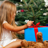 Børnene skal ikke selv tage stilling til, hvor de vil holde jul, mener to eksperter, som kommer med en række råd til sammenbragte familier.