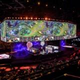 Spilfirmaet Riot Games har blandt andet udviklet computerspillet »League of Legends«. Spillet er et af verdens mest populære og hvert år afholdes et mesterskab for at finde frem til de dygtigste spillere.