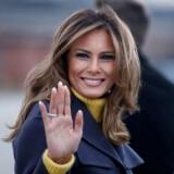 Den nye bog om Melania Trump, »Free, Melania«, afslører, at der absolut ikke er nogen grund til at befri førstedamen. Hun er mere fri end nogen anden i Det Hvide Hus, hvor hun har fundet sin egen underspillede måde at gøre tingene på. Bogen afslører også, at hun har et anstrengt forhold til Ivanka Trump og vicepræsidentfruen, Karen Pence – og at hendes påklædning aldrig er tilfældig.