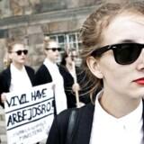 Demonstration mod den meget omdiskuterede offentlighedslov på Christiansborg Slotsplads 2013. »Mørklægningsloven,« som demonstranterne kaldte Offentlighedsloven, er et af de problemner, vi har med gennemsigtighed i Danmark, mener Transparency International.