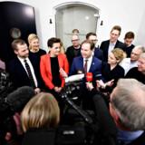 Sent mandag aften kunne finansminister Nicolai Wammen (S) endelig præsentere en aftale om næste års finanslov sammen med de Radikale, SF, Enhedslisten og Alternativet. Forud gik nogle dramatiske døgn, hvor flere partier undervejs frygtede, at det hele ville falde på gulvet. Og at det i sidste ende kunne føre til et folketingsvalg.