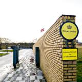Forsvarets Ejendomsstyrelse har hovedkontor på Hjørring Kaserne. Nu er to af styrelsens ansatte tiltalt for bedrageri.