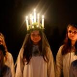 13. december kårer svenskerne hele Sveriges luciabrud. Men de seneste år er traditionen hver gang blevet taget op til diskussion.