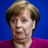 »Med dogmatisk stivnakkethed og Angela Merkel i spidsen tyede de europæiske statschefer til en menneskefjendsk europæisk sparepolitik, som kun forværrede eksisterende ubalancer mellem Nord- og Sydeuropa,« skriver Malte Frøslee Ibsen. EPA/CLEMENS BILAN