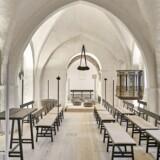 Undtagen krucifiks er alt liturgisk inventar blevet fjernet i Sønder Asmindrød kirke. Prædikestolen bliver også flyttet i løbet af foråret.