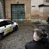 Fredag blev tre af de i alt otte anholdte, som blev fremstillet i grundlovsforhør i København Byret, løsladt – i alt er fem således blevet varetægtsfængslet i foreløbigt fire uger. I en relateret sag blev én person ved et grundlovsforhør i Odense for dobbelt lukkede døre varetægtsfængslet. Af de 21, der onsdag blev anholdt i en næsten landsdækkende politiaktion, er 13 blevet løsladt.
