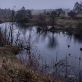Juleaftensdag for tre år siden blev Emilie Meng fundet i den oversvømmede grusgrav ved Regnemarks Bakke på Midtsjælland i det område, der hedder Dyndet.