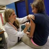 ARKIVFOTO: Mange tøver fortsat med at give deres børn en HPV-vaccine. Især i hovedstadsområdet er det tilfældet.