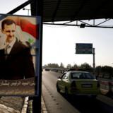 Turisme er højprioritet for det syriske regime. Og nu har det privatejede syriske flyselskab Cham Wings, som ellers er underlagt amerikanske sanktioner for sine forbindelser til styret, planer om at åbne to flyruter til Europa. Arkivfoto fra vejen til lufthavnen i Damaskus: Omar Sanadiki/Reuters/Ritzau Scanpix