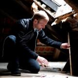 Hvis man gerne vil investere i at energiforbedre boligen, er det en god idé at kontakte en energikonsulent, der kan gennemgå boligen og rådgive om, hvilke renoveringer det bedst kan betale sig at få foretaget.