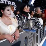 Fans venter i kø til »Star Wars: The Rise of Skywalker« tidligere på måneden i Los Angeles. Filmen er den seneste i rækken af Disney-film, som er blevet beskyldt for at bedrive såkaldt queerbaiting. Foto: Mario Anzuoni/Reuters/Ritzau Scanpix