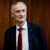 »Det ligner jo noget, der kunne været taget ud af en Holberg-komedie,« skriver Henrik Marstal om udnævnelsen af Bertel Haarder som formand for Det Kongelige Teater.