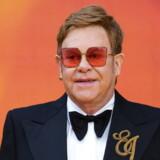 Sir Elton John er en af de kendte briter, som har fået sin adresse offentliggjort. På den lækkede liste fremgår også flere personer med højtstående stillingerne hos militæret og politiet.