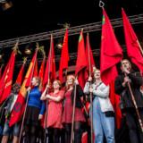 Den danske model hviler på et usikkert fundament, og fagbevægelsen bør overveje, om den overhovedet har mandat til at forhandle for lønmodtagerne, mener fagforeningen Ase.
