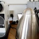 Kaffemaskiner med kapsler er et af de store elektroniksalgshit blandt danskerne, som også elsker mobiltelefoner med stadig større skærme samt hovedtelefoner og ørepropper. Arkivfoto: Liselotte Sabroe/Ritzau Scanpix