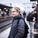 Er der noget, der frustrerer kystbaneveteranen Anja Møller Liedig mere end noget andet, er det manglende trafikinformation. Og det gælder på skærmene på stationen og på internettet. Derfor tjekker hun dagligt Facebook-gruppen KystbanenLive, inden afgangen fra Helsingør mod Nordhavn Station.