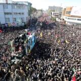 35 personer trampet ihjel i forbindelse med den iranske militærleder Qassem Soleimanis begravelse i byen Kerman.