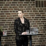 »I de seneste to årtier har Morten Østergaards, Jakob Ellemanns og Connie Hedegaards partier gennemført serier af socialt uhyre skæve ændringer i skattelovgivningen. De har desuden ladet skattesystemet nedbryde, så stadig flere end ikke betaler, hvad de efter loven skal,« skriver Mogens Lykketoft.