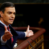 »Knap to måneder efter det seneste valg i november dannede Sanchez (foto) tirsdag en ny regering sammen med venstrepopulisterne i Podemos – i øvrigt den første koalitionsregering i Spanien siden 1930erne.«