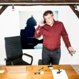 Peter Warnøe og Lars Tvedes projekt Nordic Eye indkasserede flere millioner på kort tid og var ved at indynde sig hos Vækstfonden og pensionskasserne, lige indtil det kom frem, at Warnøe havde taget flere ulovlige aktionærlån. Det er langtfra første gang, at erhvervsmanden vender succes til fiasko.