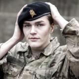 Få kvinder vælger at uddanne sig gennem Forsvaret. Men Katrine Trane på 23 år er en af dem. Hun har trænet hårdt for at blive optaget på løjtnantuddannelsen.