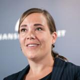 Social- og indenrigsminister Astrid Krag vil sikre udsatte børn med flere og tidligere anbringelser. Ny lov sætter barnet i centrum.