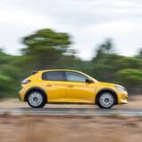 Den nye Peugeot 208 kommer med både benzinmotor, dieselmotor og elmotor. Den sidste har vi stadigvæk til gode at prøve, mens den gule dieselløve her med sit forbrug på 24,4 km/l er bedst til pendlerfolket.