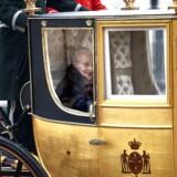 I forbindelse med nytårskuren 3. januar blev dronning Margrethe eskorteret af Gardehusarregimentets Hesteskorte i guldkaret fra Christian IXs Palæ på Amalienborg til Christiansborg Slot.