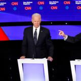 Den sidste demokratiske TV-debat, inden primærvalgene begynder, foregik i Iowa. Her afholdes også det første primærvalg.