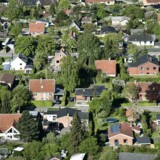 Tvungen gæld i form af indefrosset grundskyld hober sig op især i hovedstadsområdets huse. Arkivfoto.