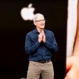 Apple-topchef Tim Cook har udadtil fastholdt en hård linje mod myndighedernes forsøg på at få adgang til folks personlige data. Men Apple valgte ikke at indføre fuld kryptering af de data, som folk gemmer på sikkerhedskopier i Apples iCloud, efter at forbundspolitiet, FBI, havde klaget. Arkivfoto: Noah Berger/AFP/Ritzau Scanpix