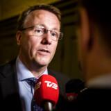 Skatteminister Morten Bødskov (S) irettesætter nu sin departementschef, der lavede en aftale med et dansk firma om at istandsætte sit sommerhus. Det danske firma hyrede så en underleverandør, et litauisk firma, og det gav departementschefen problemer.