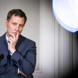 Det er forståeligt, at justitsminister Nick Hækkerup (S) ser betuttet ud. Han måtte stille til offentlig spanking hos Statsrevisorerne. Den store, forkromede indsats mod hvidvask er slået fejl.