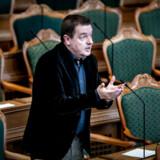 »Hvad skal jeg sige? Boller fra Kohberg. Det ser jo fjollet ud,« siger Jens Rohde (R), efter regeringen har indgået en boligaftale med Dansk Folkeparti – uden de Radikale.