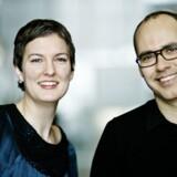 De nu tidligere værtskolleger på Skønlitteratur på P1 Nanna Mogensen og Klaus Rothstein. Efter ti år som vært stopper Klaus Rothstein.