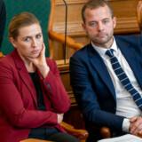 Statsminister Mette Frederiksen (S) bliver nu kritiseret hårdt af Morten Østergaards parti for et »tåbeligt og fuldstændig urealistisk« forslag.