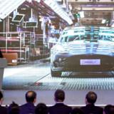Tesla-aktien har vakt opsigt den seneste uge – først med en gigantisk stigning og siden med et brutalt fald. På billedet Tesla-stifter Elon Musk, da han præsenterede Tesla Model 3 til det kinesiske marked.