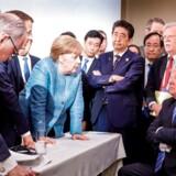 EU må skal forholde sig til de nuværende globale strategiske aktører USA, Kina og Rusland, mener unionens udenrigschef, Joseph Borrell. Under G7-topmødet i Canada i 2018 var linjerne trukket hårdt op mellem USAs præsident Trump og resten af de fremmødte - ikke mindst den tyske kansler, Angela Merkel.