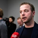 Morten Østergaard taler om en voksende kløft mellem S og R, og han truer med ikke at ville pege på Mette Frederiksen som statsminister ved næste valg. Men hvor skal han gå hen?