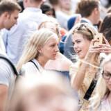 Undervisningsministeren mener, at det er et udtryk for »uddannelsessnobberi«, når en stor del af de dygtigste unge klumper sammen på kun fire uddannelser. Arkivfoto fra immatrikulationen på Københavns Universitet i august 2019.
