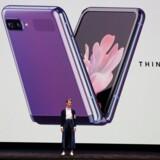Den nye Galaxy Z Flip fra Samsung blev tirsdag præsenteret i San Francisco.