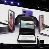 Samsungs Galaxy Z Flip har fuld skærm, som kan bruges på forskellig vis. Den kommer til at koste betydeligt mere end de nye topmodeller.