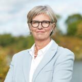 Direktør i Nationalt Genom Center Bettina Lundgren beskyldes for at have forsøgt at favorisere sin ægtefælles projekt. Det fører nu til, at der sættes gang i en ny proces med at udvælge de patientgrupper, som skal gennem de omfattende gentests.
