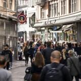 Væksten i dansk økonomi vil i år være meget afhængig af privatforbruget. Husholdningerne har råderummet, men vil det blive omsat til forbrug eller opsparing?