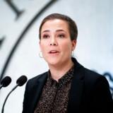 Social- og indenrigsminister Astrid Krag (S) fastholder, at intet er ændret i slutresultatet for kommunerne, men at regeringen burde have været mere tydelige omkring beregningsgrundlaget.