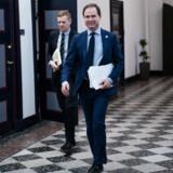 Finansminister Nicolai Wammen (S) og særlig rådgiver Mads Brandstrup.