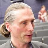 Kommunalforskeren Roger Buch er flere gange blevet kontaktet af embedsmænd, efter at han har udtalt sig kritisk om kommunale forhold.