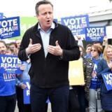 »Da David Cameron havde vundet valget i 2010, skar han kraftigt ned på de offentlige udgifter for at få underskuddet ned.« EPA/FACUNDO ARRIZABALAGA / POOL